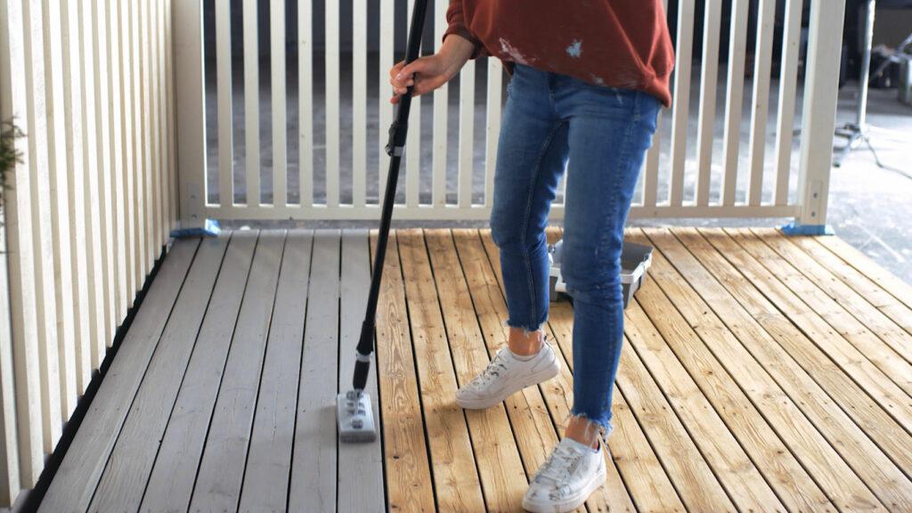 EasyPad gjør det veldig enkelt å beise terrassen